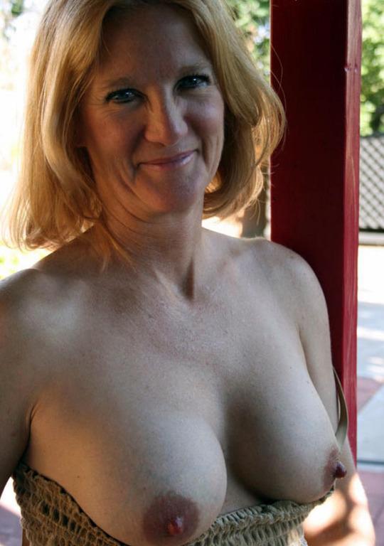 Femme infidèle en manque de sexe dispo sur le 71