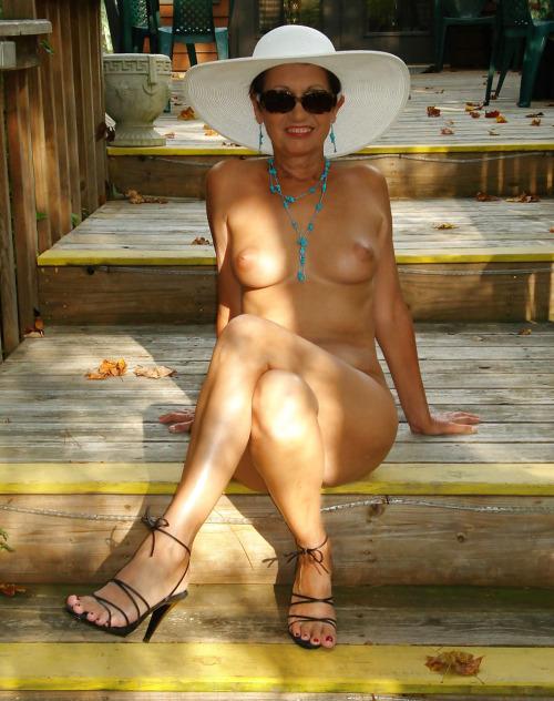 Femme infidèle et perverse veut baiser avec un jeune mec sur le 60 en journée