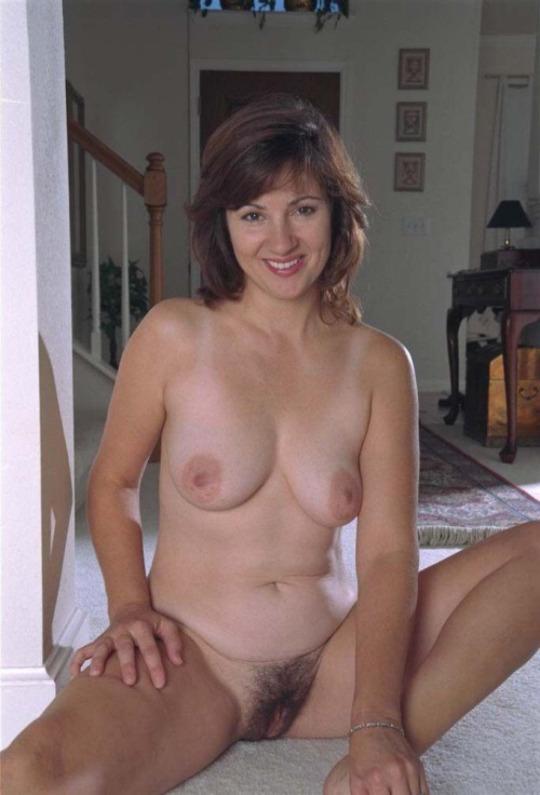 Femme infidèle et perverse veut baiser avec un jeune mec sur le 66 en journée