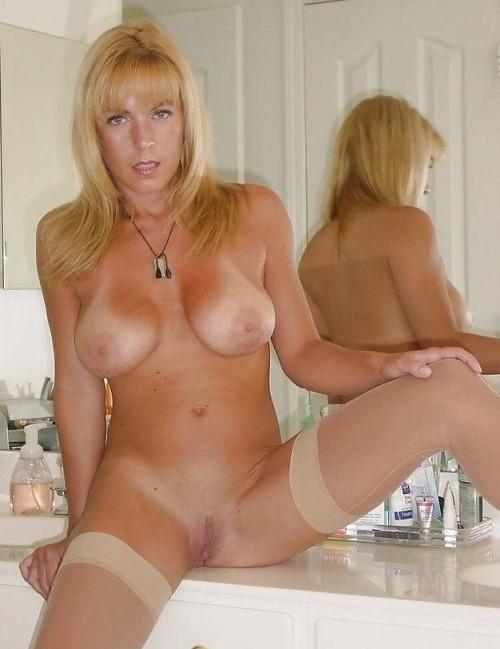 Image pour s'exciter avec une femme mature nue 59