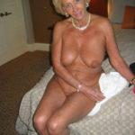 mère au fouyer du 22 veut découvrir le sexe anal