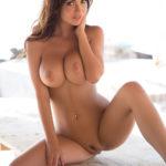femme mure et nue dans le 53 pour sexe