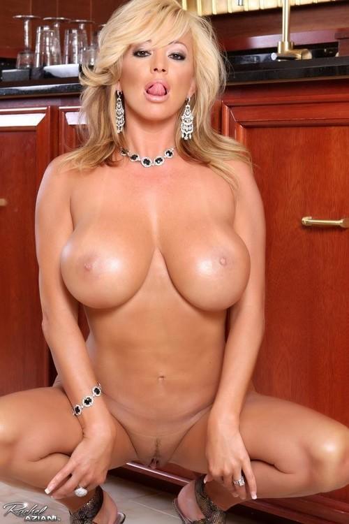 une femme nue du 42 mature