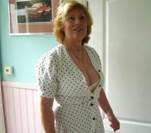 Epouse mature du 10 infidèle pour sexe