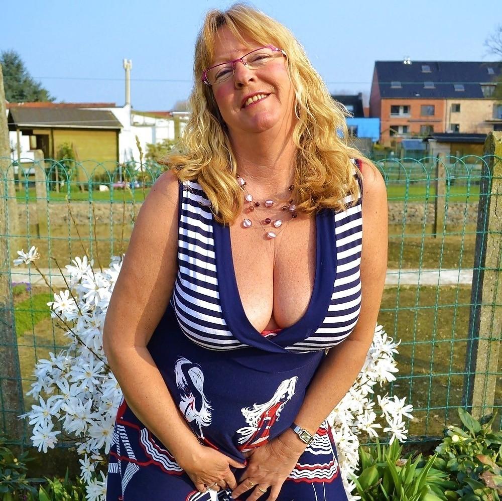 Femme mariée en manque de sexe sur le 54
