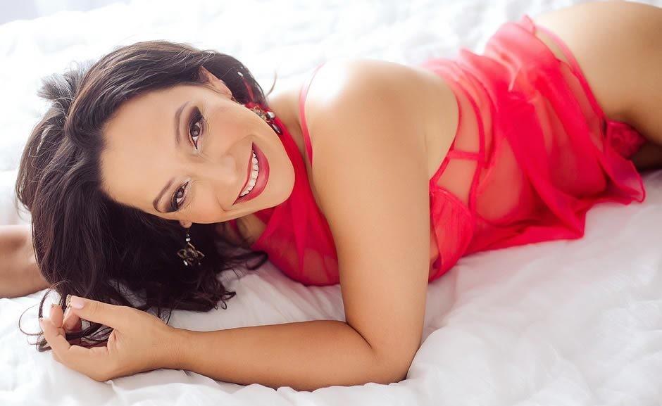 Femme mature sexy et coquine du 25