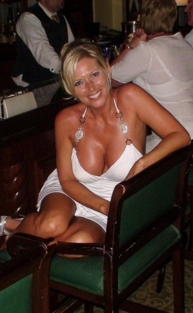 Femme mature sexy et coquine du 29