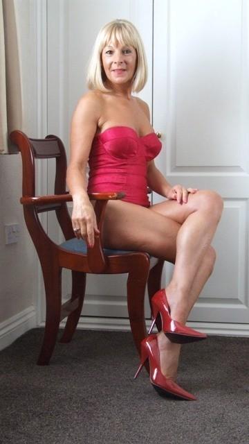 Femme mature sexy et coquine du 36