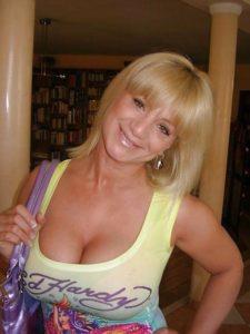 Photo et rdv sexe porno avec épouse infidèle du 32