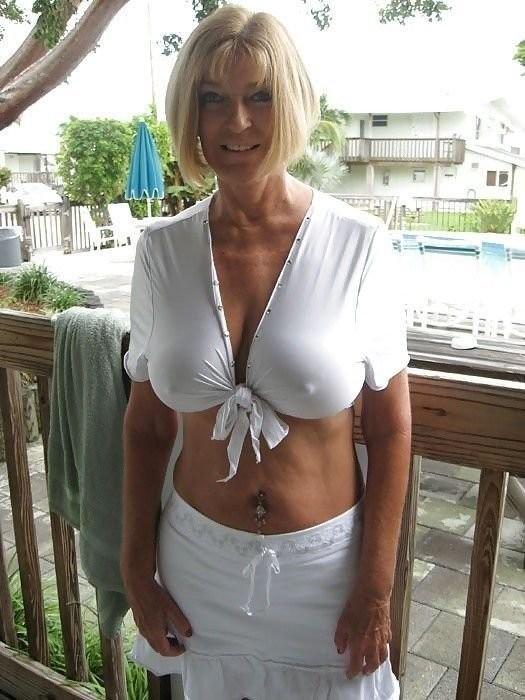 Photo et rdv sexe porno avec épouse infidèle du 89