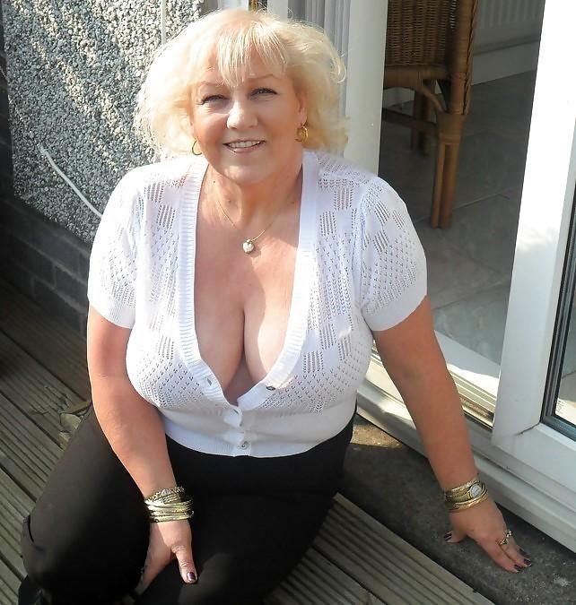 Photo et rdv sexe porno avec épouse infidèle du 91