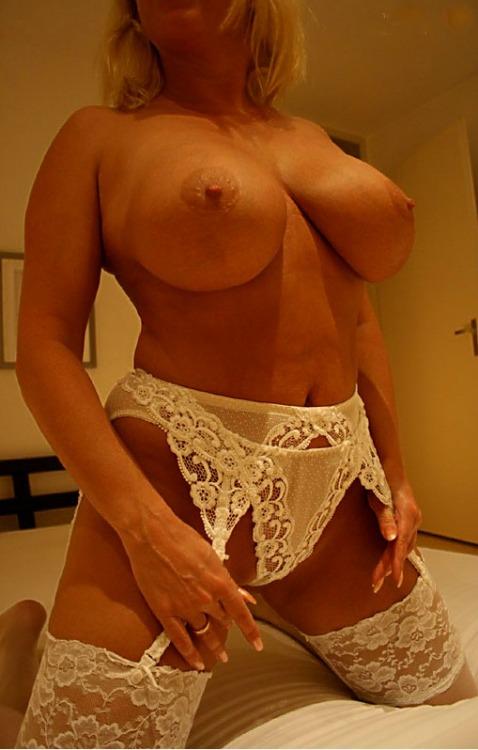 Femme mure nue image porno 32