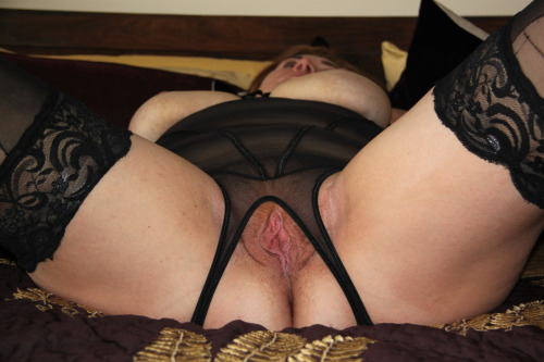 Image pour s'exciter avec une femme mature nue 18