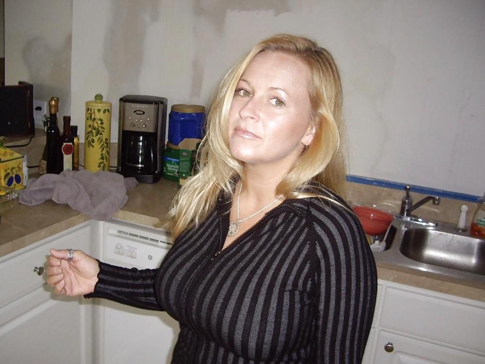Femme mature sexy et coquine du 19
